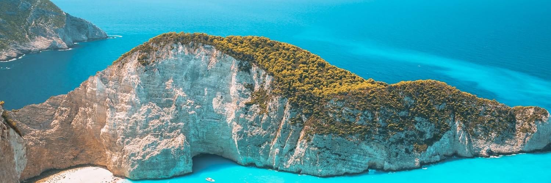 Island Hopping – Discover the Greek Islands